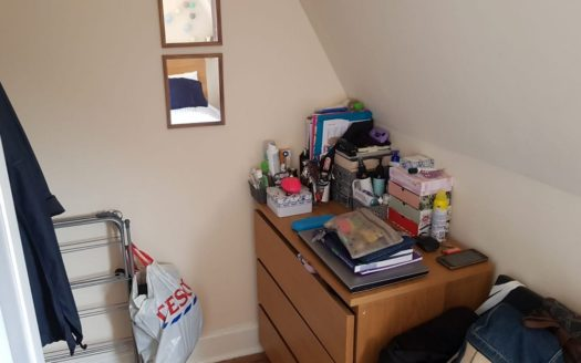 Single room in fulham broadway available soon